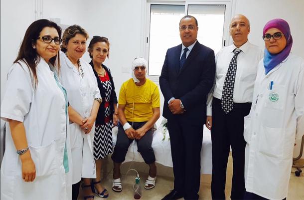 وفد عن وزارة الصحة يزور سائق الحافلة الجزائرية المقيم بمستشفى الحبيب ثامر