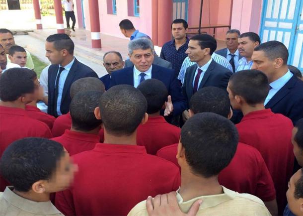 وزير العدل يزور مركز إصلاح الأطفال الجانحين بمجاز الباب يوم العيد