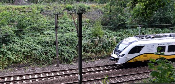 إخلاء قطار في بولندا متجه إلى برلين بعد إنذار بوجود قنبلة
