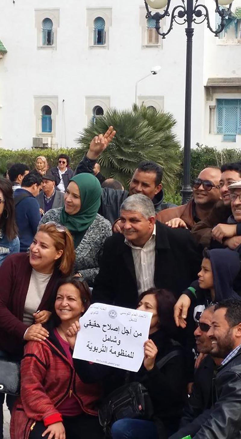 صور من ''يوم الغضب''للأساتذة والمطلب الرئيسي ''إقالة'' وزير التربية ناجي جلول