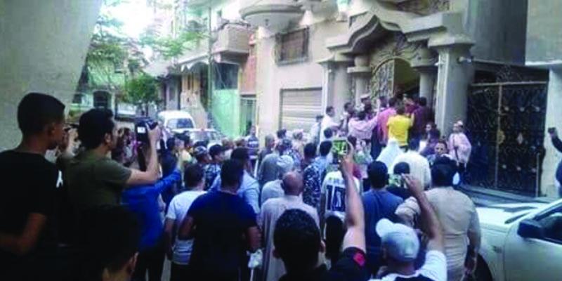 الجماهير تحاصر اللاعب محمد صلاح وتمنعه من صلاة العيد
