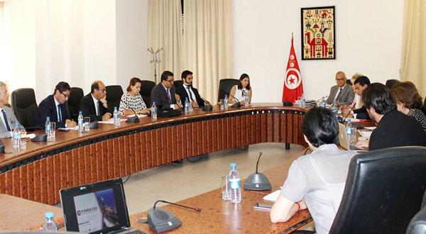 وزير التنمية والاستثمار والتعاون الدولي يطلع على مدى تقدم تحضيرات الندوة الدولية للاستثمار