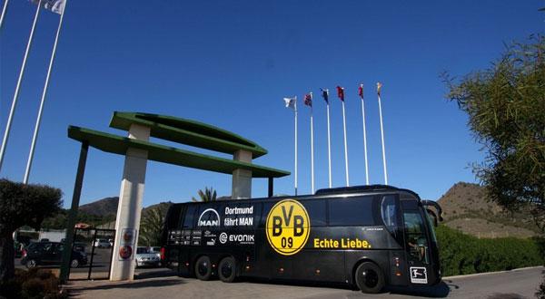 EN DIRECT - Dortmund-Monaco : une explosion aurait touché le but du Borussia
