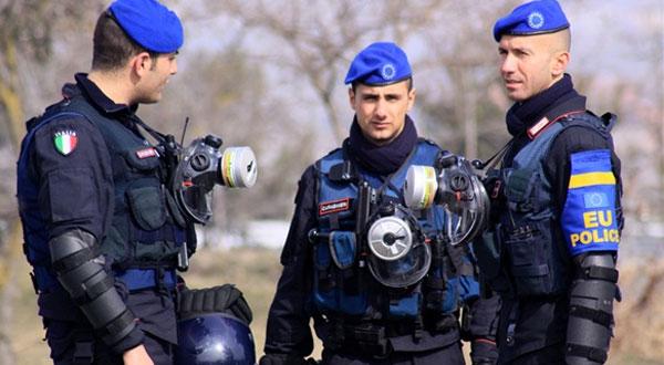 شرطي إيطالي ينقذ فتاة مغربية من الموت
