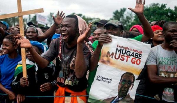 Harare dans la rue pour une manifestation « historique » anti-Mugabe