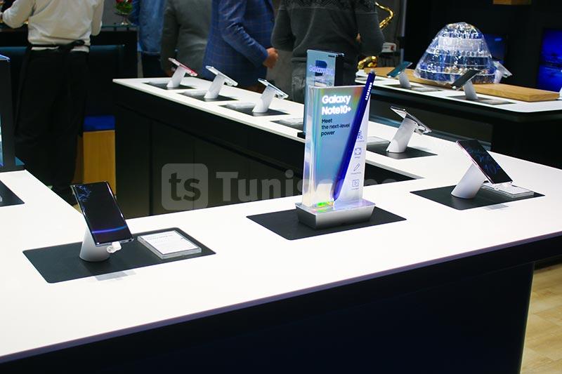 Samsung-310120-04.jpg