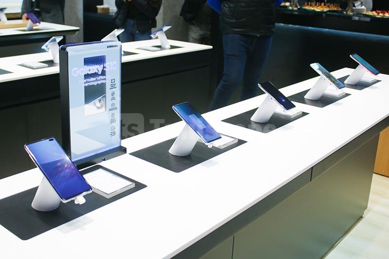 Samsung-310120-08.jpg
