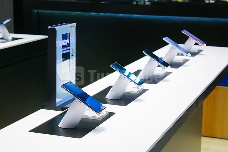 Samsung-310120-21.jpg