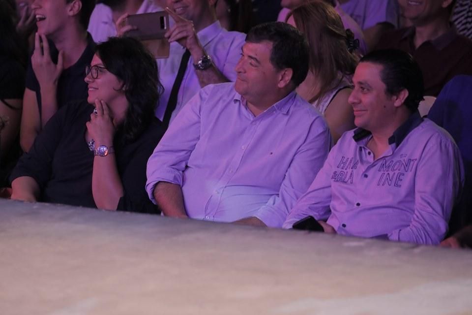 بالصور: وزراء وإعلاميين يحضرون عرض لطفي العبدلّي في مهرجان قرطاج