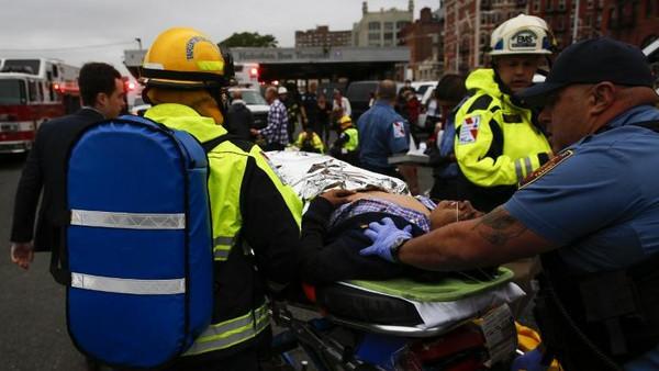 نيويورك: أكثر من 100 جريح في حادث القطار