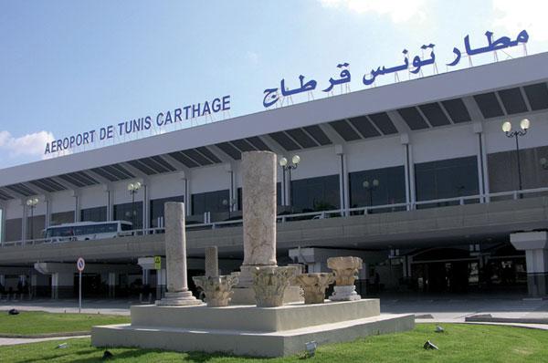 مطار تونس قرطاج: عملية بيضاء تؤدي إلى حريق في مبنى ودخّان في مدرج الطائرات