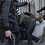 La police agresse un journaliste lors d'une manif au Bardo