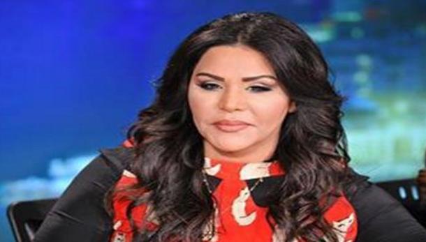الفنانة أحلام تحتفل باعتناق خادمتها الإسلام