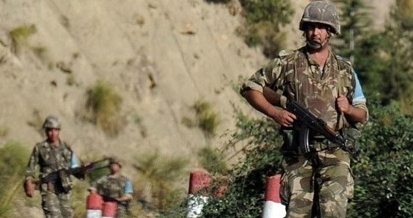 الجزائر: استسلام 3 إرهابيين و3 عائلات للجيش