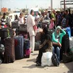 جزائريون يحتجون على ضريبة 30 دينار و يغلقون معبرا حدوديا مع تونس