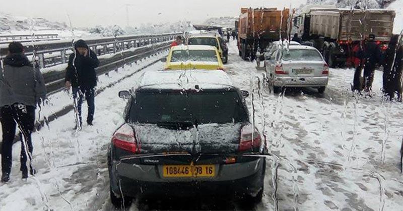 الجزائر: 25 ولاية تحت الحصار بسبب الثلوج