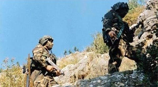 الجيش الجزائري يلقي القبض على إرهابي قرب الحدود التونسية