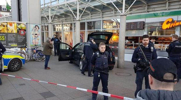 سيارة تدهس مشاة في المانيا وسقوط ثلاثة جرحى