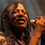 Festival international de Bizerte : la direction envisage de poursuivre Alpha Blondy en justice