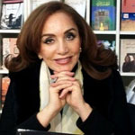 Le Trophée de la Femme arabe la plus distinguée 2015, décerné à la romancière Ahlam Mostghanemi