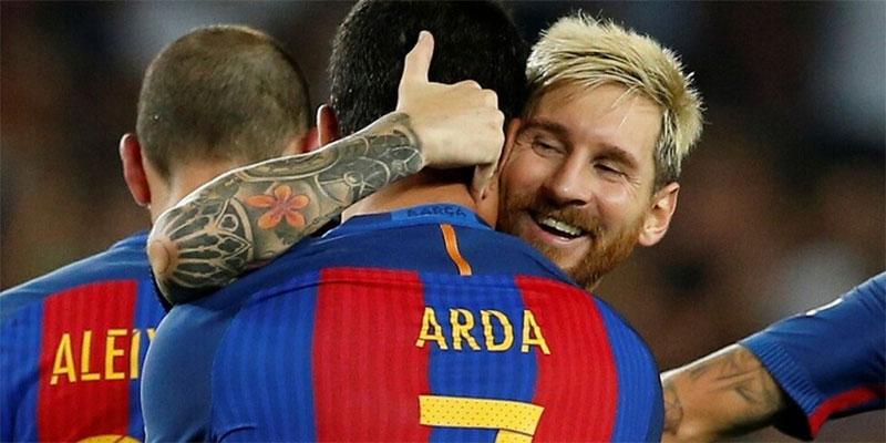 محكمة تركية تقضي بحبس لاعب برشلونة