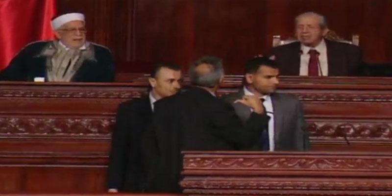 مجلس النواب: فوضى وتراشق بالتهم وتشابك بالأيدي