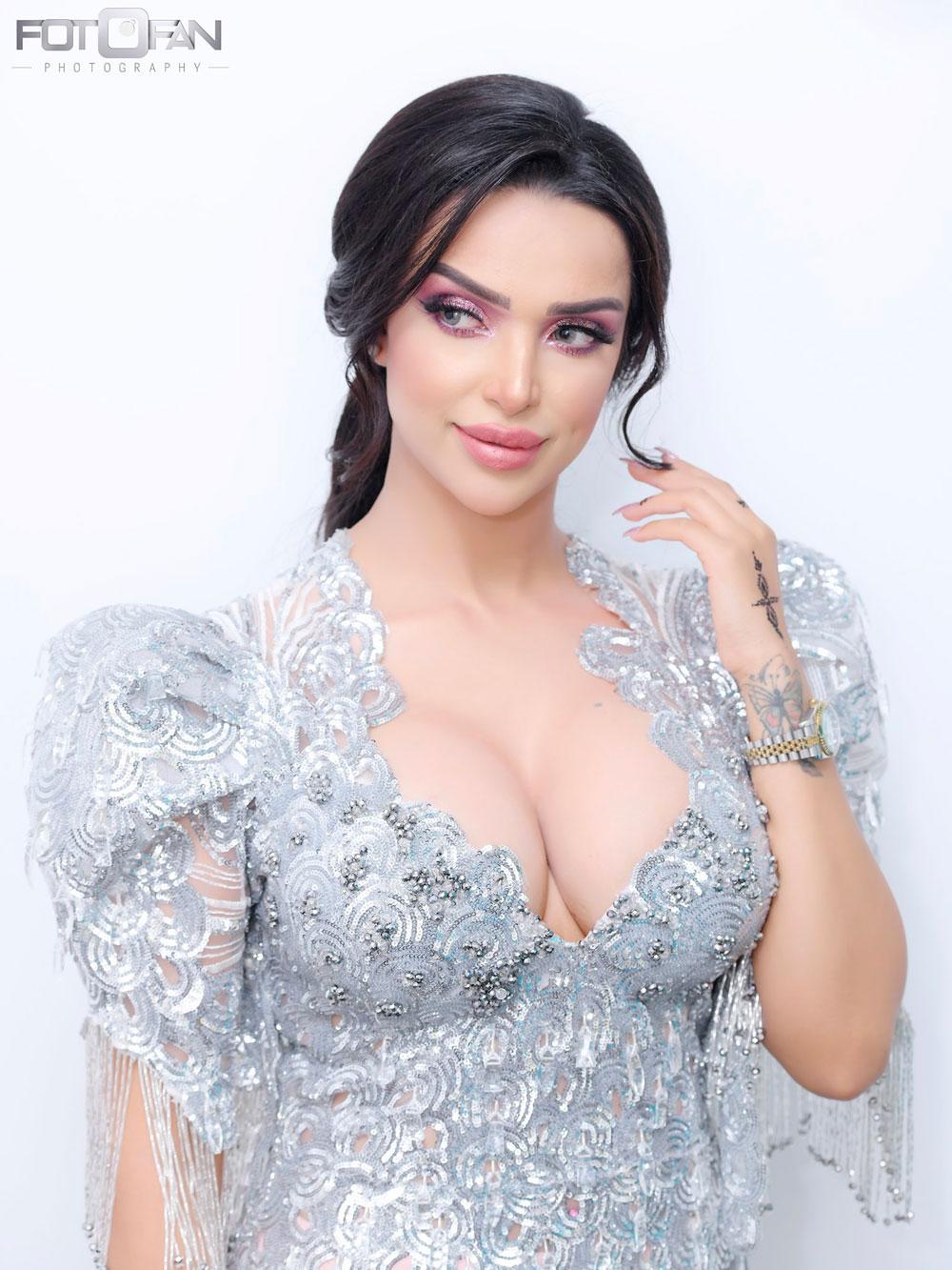 بالصور: حفل خطوبة الفنانة ''أساور''