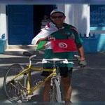 Un algérien fait 1360 Km à vélo pour venir à Sousse, par solidarité