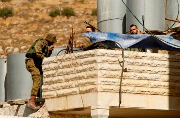 Un homme abattu après avoir tenté de poignarder des soldats israéliens en Cisjordanie