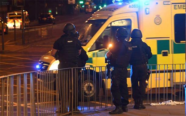 Le tweet d'un journaliste après l'attentat à Manchester suscite l'indignation des internautes