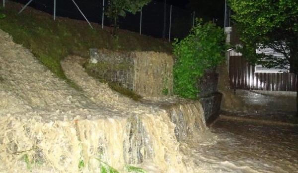 Une avalanche de rochers bloque la route entre Toujane à Matmata à Gabès