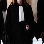 Deux agents de police agressent et arrêtent une avocate à Sfax