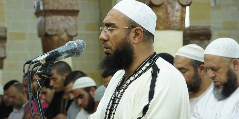 بن حسن يصف المطالبين بفتح المقاهي في نهار رمضان بـ الشياطين