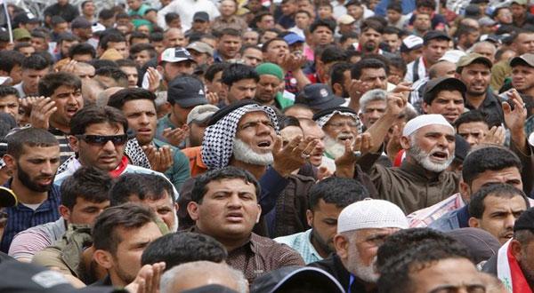 آلاف المتظاهرين يقتحمون المنطقة الخضراء في بغداد