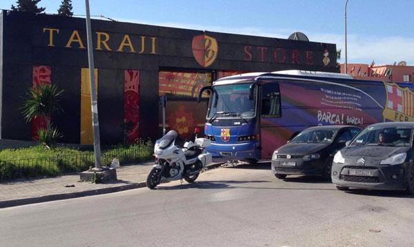 حقيقة تواجد حافلة برشلونة أمام نزل الترجي