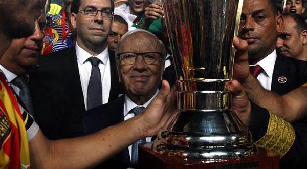 صور..قائد السبسي يشرف على نهائي كأس تونس لكرة القدم