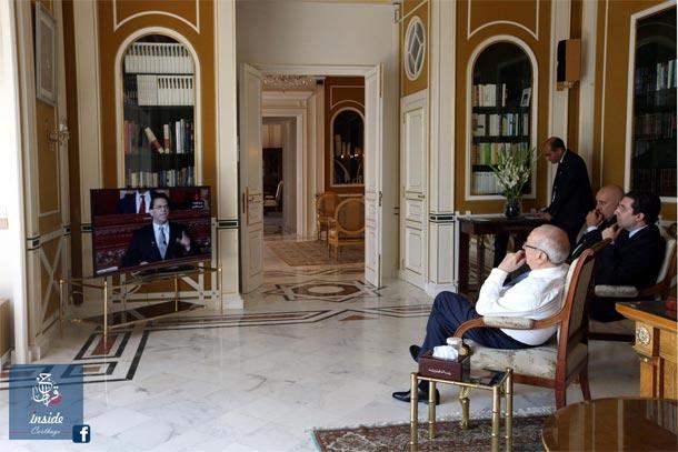 Photo du jour : BCE et ses deux conseillers suivent le discours de Chahed