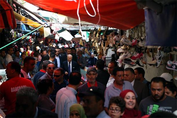 Une visite surprise de Béji Caïd Essebsi à Beb El Falla et Sidi El Bachir