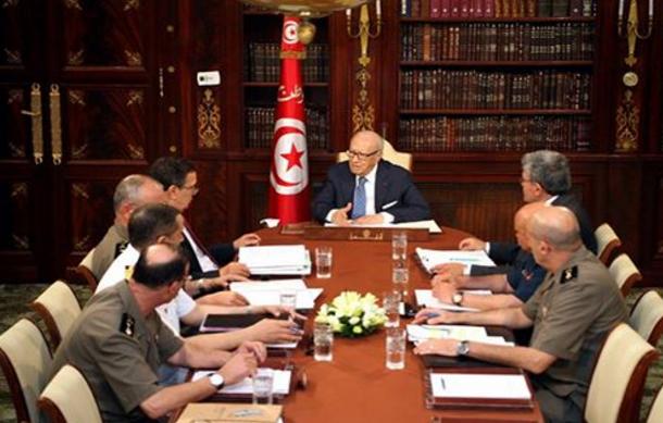 رئيس الجمهورية يشرف على اجتماع المجلس الأعلى للجيوش