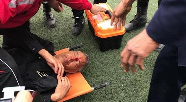 جماهير اتحاد بن قردان الغاضبة تصيب عون أمن بحجارة