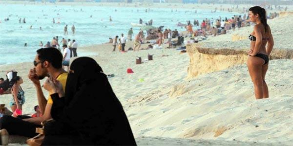 L'Arabie saoudite ouvrira une station balnéaire de luxe où les femmes pourront porter des bikinis