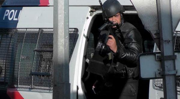 بنزرت :شخص يهاجم دوريّة أمنيّة بآلة حادّة