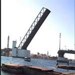 تسرب مواد نفطية بقنال بنزرت