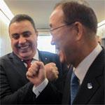 Photo du jour : Ban Ki-moon et Jomaa poings levés pour la Tunisie