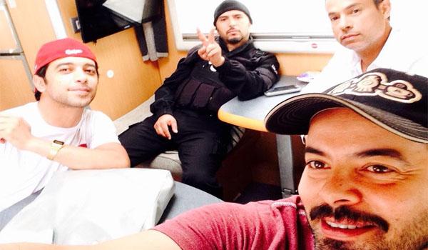 بالصور..رغم الخلاف: ''بوليس'' يجمع لطفي العبدلي بمحمد علي النهدي