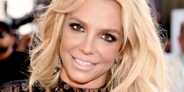 Britney Spears échappe à la mort pendant ses vacances à Hawaï