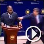 En vidéo : Le chef de la diplomatie du Burkina Faso s'effondre devant les caméras