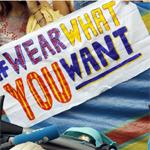 بالصور: تظاهرة أمام السفارة الفرنسية بلندن احتجاجا على حظر البوركينى فى فرنسا