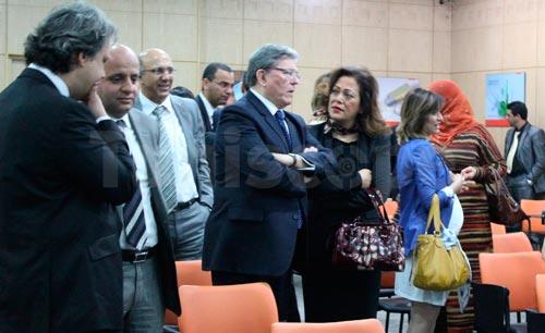 En vidéo : Ali Laarayedh inaugure le siège de la Bourse de Tunis