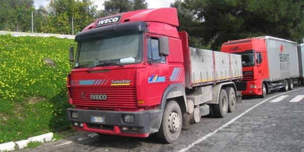 Italie : Un jeune Afghan parcourt 400 km accroché sous un camion